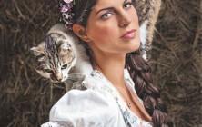 Anna Huber fotografiert von Tierlicht für Miss Lillys Hats.